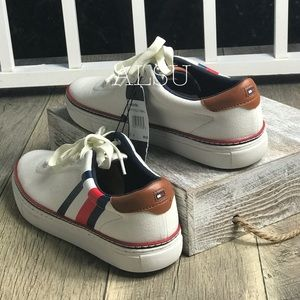 5ae84c65ece96 NWT Tommy Hilfiger Men's Maven Sneakers White NWT